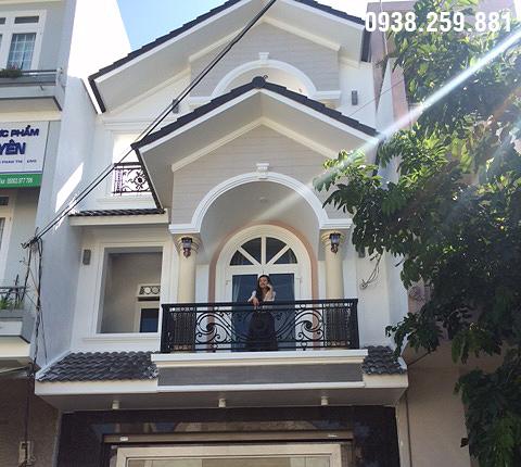 Thi công hoàn thiện nhà phố 2 tầng phong cách tân cổ điển ở Đaklak.